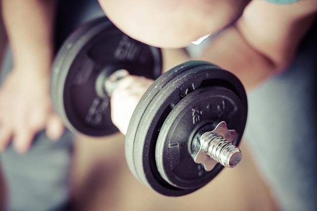 Dietetyk radzi – Co jeść, a czego unikać po treningu? (FILM)